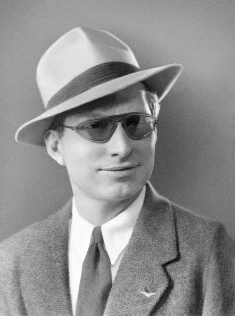 L. Ron Hubbard, New York City, circa 1940