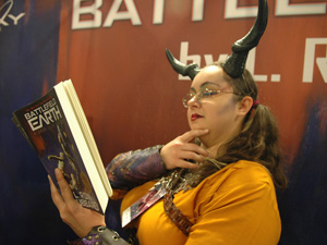 Dragon Con character reading BE