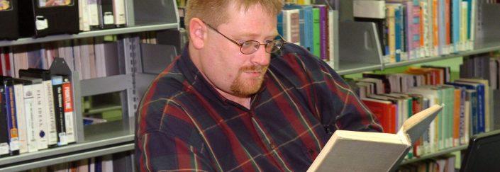 Ken Scholes