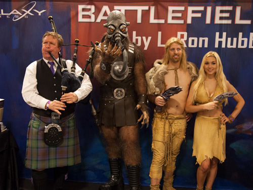 Terl with Scottish bagpiper, Jonnie and Chrissie at Dragon Con