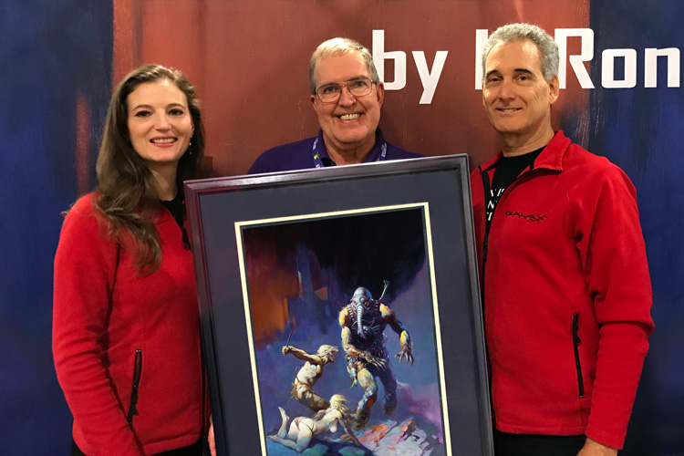Pat Henry, President Dragon Con (center)