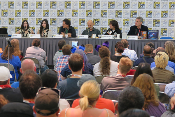 Writer's Panel with Winner Twins, Richard Hatch, David Brin, Steven-Elliot Altman and John Goodwin